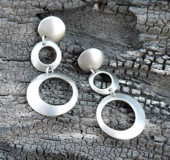 Dangle Silver earrings, silver hoop with matte finish. Geometric earrings. Minimal jewelry.