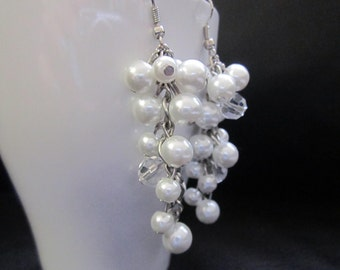 Pearl Cluster Earrings, White Pearl Earrings, Bridesmaids Gifts, Ivory Pearl Earrings, Long Pearl Earrings, Dangle Earrings, Wedding Party