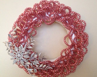 "14"" Red and White Tube Wreath"