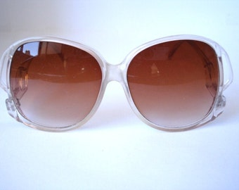 Super Nice Vintage Women's  Eyeglasses - See our huge collection of vintage eyewear