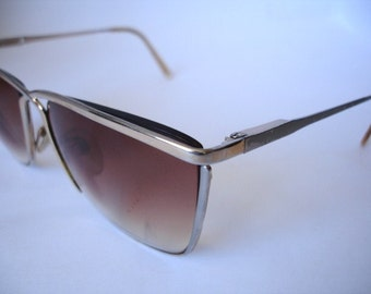 Wonderful pair of Authentic Vintage  Women's  Eyeglasses - Check out all of our vintage eyeglasses