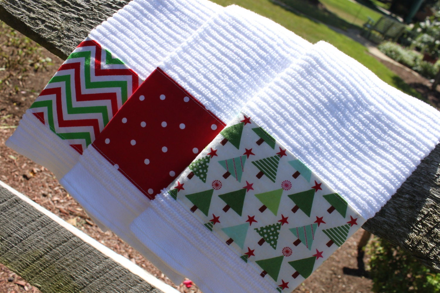 Set Of 3 Christmas Kitchen Towels Red Green White Dish