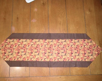 Table Runner - Fall - Lots of Fall Leaves