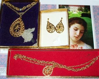 "Stanhome""Golden Grace"" Parure - Goldtone - Vintage 1970s - SHP - Stanley Home Products - Necklace Bracelet Earrings"