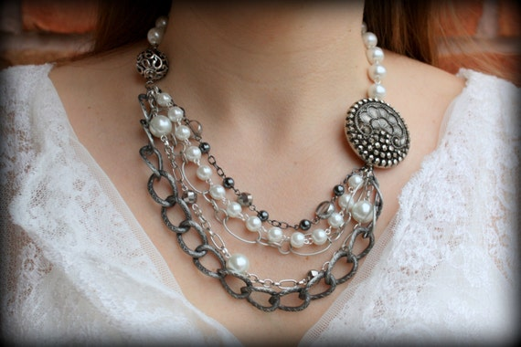 Pearl Statement Necklace-Vintage Necklace-Bridal Necklace-Art Deco Necklaces-Brooch Statement Necklace-Dream Day Designs
