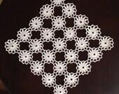 Vintage Crochet Square Doily, col.cream,