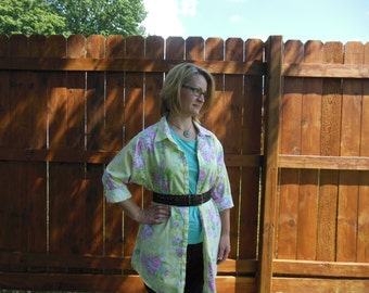 Vintage 1980's beautiful yellow floral pattern shirt by American Living