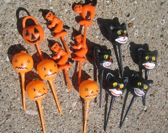 14 Vintage Halloween Party Picks Cupcake Toppers Pumpkins Cats Witches Made in China