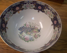 VintageToyo Bowl With Peacock Design