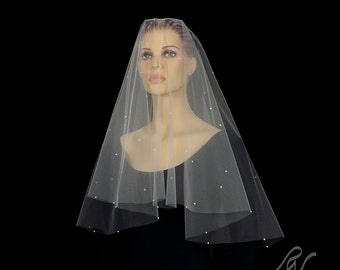 Drop Veil with Scattered Pearls, Made With SWAROVSKI ELEMENTS