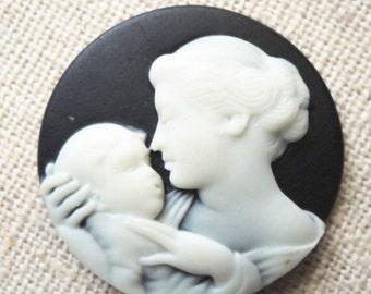 6 pcs of reisn cameo mum and baby 0432-white on black