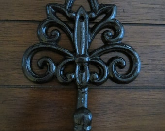 Decorative Cast Iron Wall Hook/Parisian Apartment Style/Oil Rubbed Bonze or Pick Color/Key Holder /Towel Hook/Jewelry Hanger/French Cottage