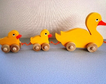 Wooden Toy Mama Duck And Babies Pull Toy - Hand Painted - Wiggle As They Roll - Classic Eco Friendly Kids Toy