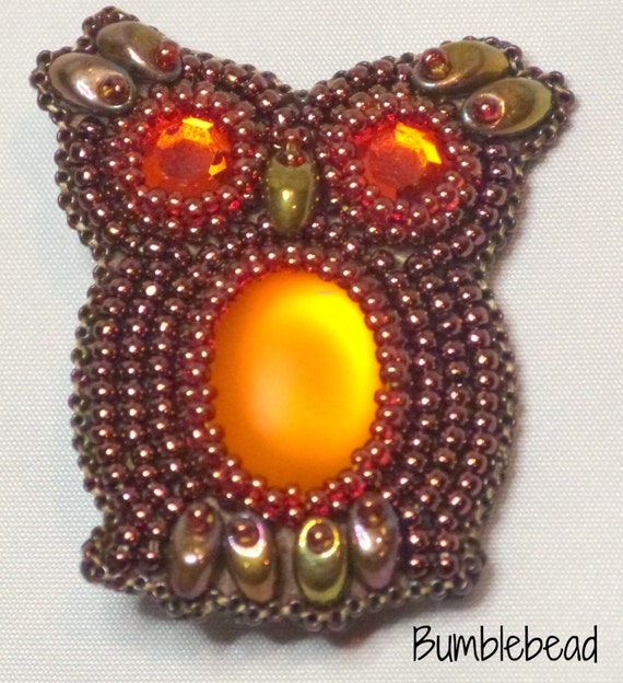 Tutorial bead embroidered owl brooch by
