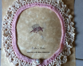 Vintage Style Crocheted Lace Collar in Pink & Cream