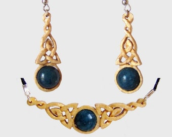 Jewelry set made of Birch wood with Sapphire Pearl