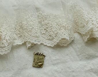 ivory lace fabric trim, snowflake lace trim, floral lace trim, antique lace trim