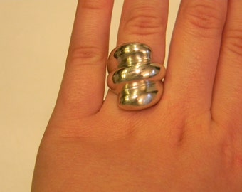 Very Fashionable Sterling Silver 925 Uniquely Shaped Ring Size  7.5 #5040