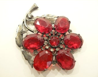 Vintage Little Nemo Art Deco Pot Metal & Red Stones Brooch / Pin