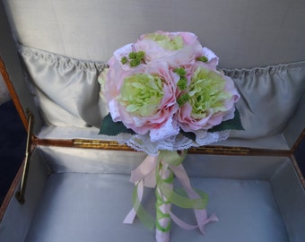 Flower girl wand in pink and mint