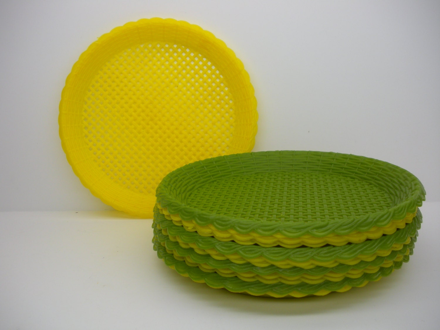 Vintage Plastic Paper Plate Holders Set Of 13