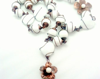 White copper necklace with agate. Wire wrapped necklace. Bohemian necklace.