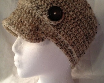 Crocheted Newsboy hat in Oatmeal