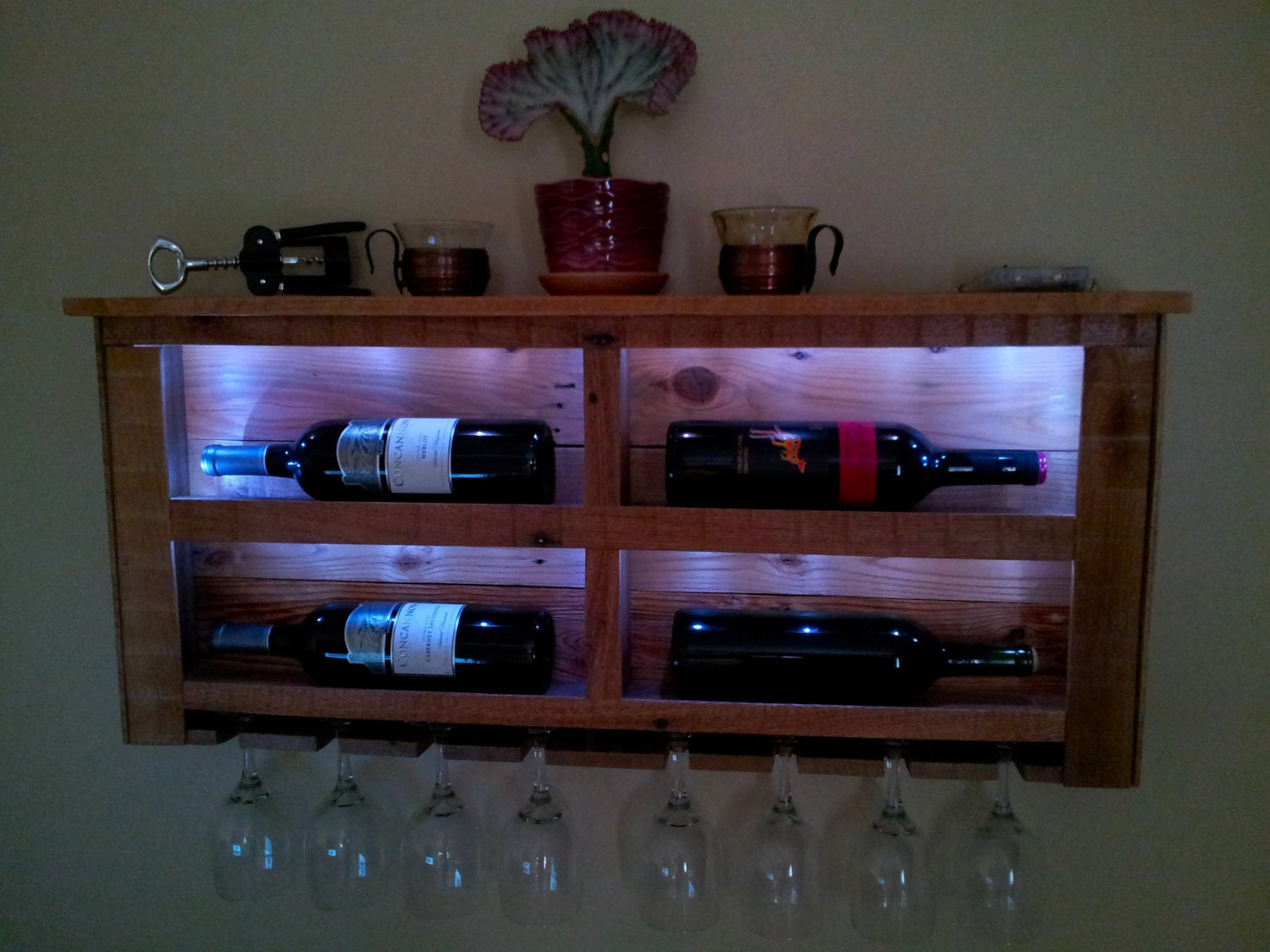 reclaimed pallet wood wine rack with white led lights and top. Black Bedroom Furniture Sets. Home Design Ideas