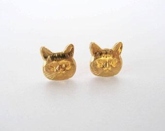 Cat post earrings. Gold cat stud earrings Cat head posts, cat earrings, kitten studs. Pet earrings, Kitten earrings, Cat lovers jewelry