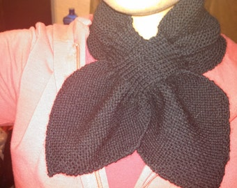 Women's Knitted Ascot Scarf