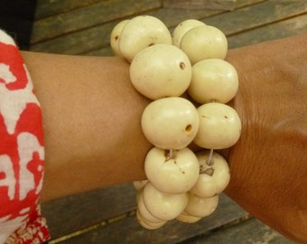 Bombona Seeds. Natural White Palm Seeds. 35 pcs. 18-20mm. Ethnic Jewelry Seeds. Crafts seeds