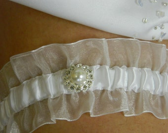 White Garter with Pearl and Rinestone Accent