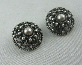 Costume jewelry: Age old round clip earrings made of silver (835 Ag). VINTAGE