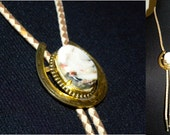 Vintage BOLO tie gold horseshoe chunky stone leather tie Excellent Hipster Indie Rockabilly