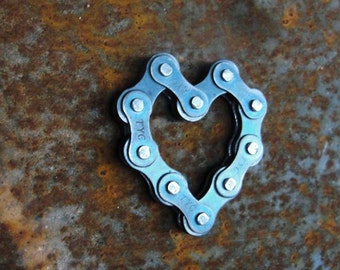 Bicycle Chain Magnet: Heart
