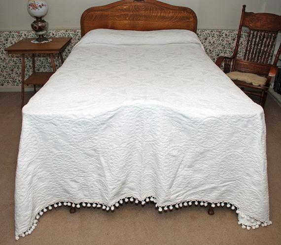Vintage Matelasse Bedspread W Ball Fringe Double Full