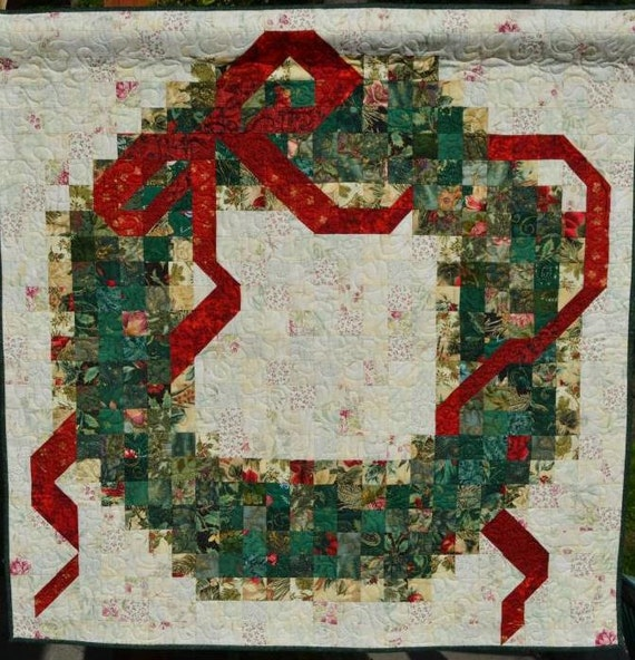 Quilted christmas wreath wall hanging