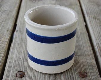 Vintage Made In Roseville Crock Pottery, good condition, great vintage kitchen decor, white and blue