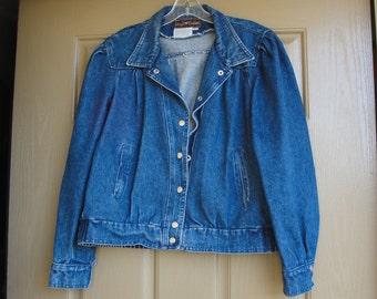 Vintage 1970s 1980s Sergio Valente dark denim jean jacket with pleated sleeves size large 70s 80s