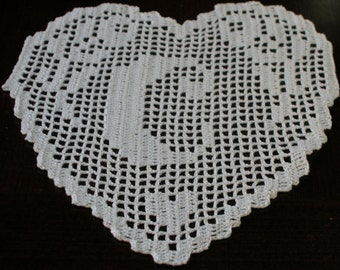 "PATTERN crochet filet schema lettera ""C""  MONOGRAMMA  a  cuore fatto all'uncinetto filet.pdf"