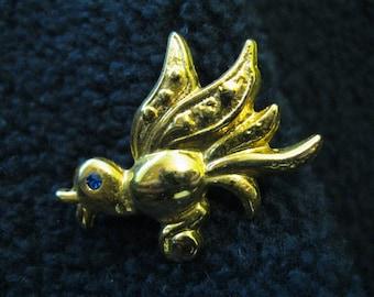 Gorgeous Bird Pin
