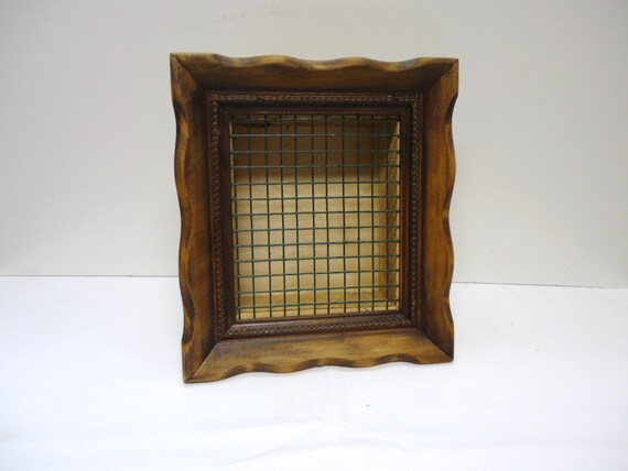 Succulent picture vertical planter box oak and cedar stained for Vertical planter boxes