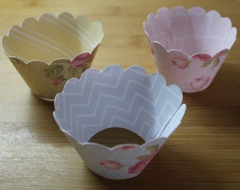 12 Vintage Style Cupcake Wrappers, various colours