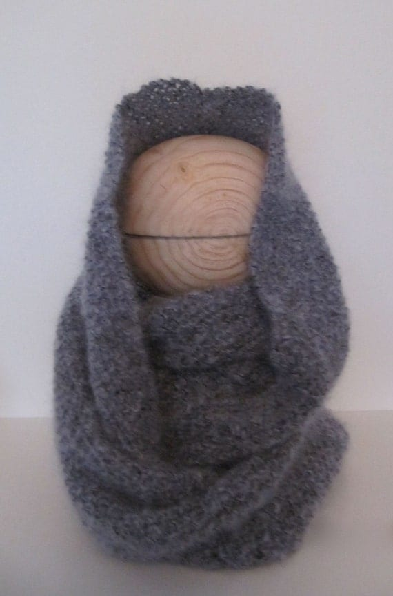 K88 Handmade Hand Knitted Mohair Infinity Scarf in Seed Stitch