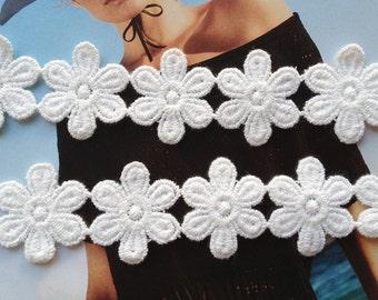 White Cotton Daisy Lace, Floral Trim, Applique Lace, Bridal Applique Trim
