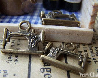 10 pcs of Antique Bronze Sewing Machine Charms 14x18mm A1476