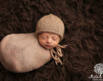 Newborn knitted bonnet.. newborn hat.. newborn bonnet... newborn photography prop