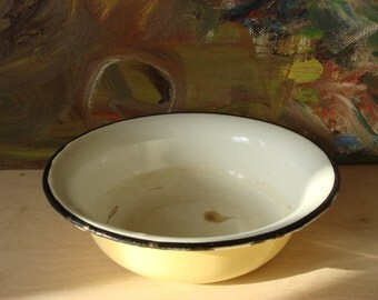 Old Enamel Bowl, Soviet Vintage 1970s, Old Enamel Kitchenware, White Vanilla Black