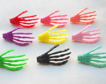 20pcs skeleton hand hair clips Mixed colors