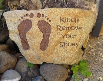 Engraved Stones,Kindly Remove Your Shoes,remove your shoes stone,remove your shoes sign,personalized garden stone,Engraving,Valentine's Day